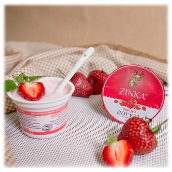Йогурт з полуницею
