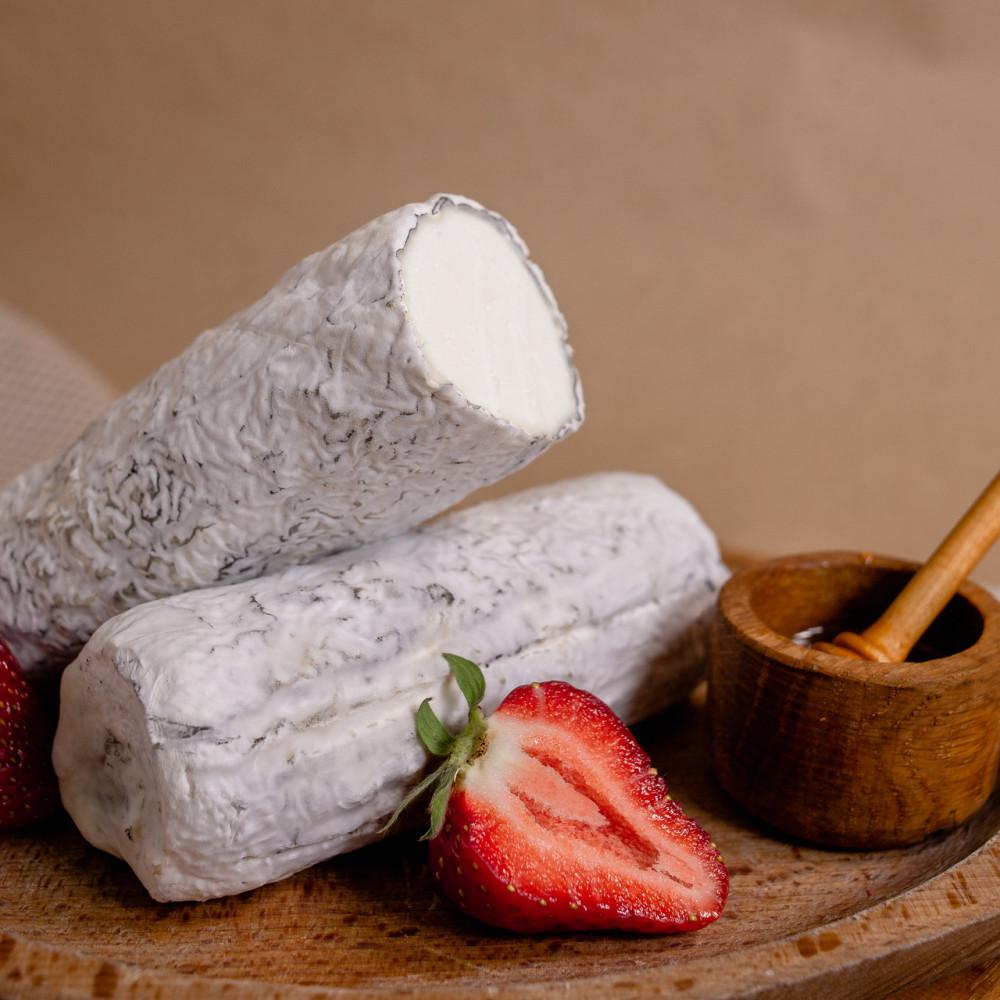 Zinka м'який козиний сир Бюш-де-Шевр c білою пліснявою в попелі /Козине полінце 250g/