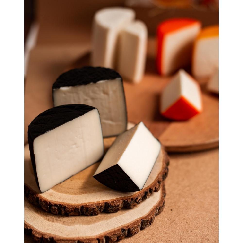 Zinka козиний сир напівтвердий витриманий з пажитніком /половинка 350g/