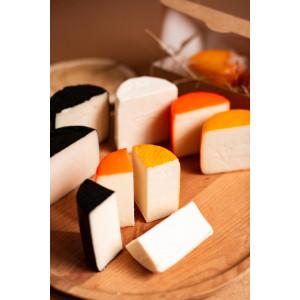 Zinka козиний сир Асорті з чотирьох напівтвердих сирів /вага 650g/